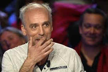 French presidential election: factory worker Poutou emerges as star of TV debate